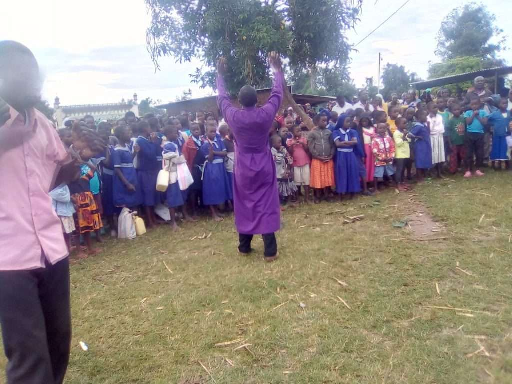 Bishop Peter chunge conducts crusade 6